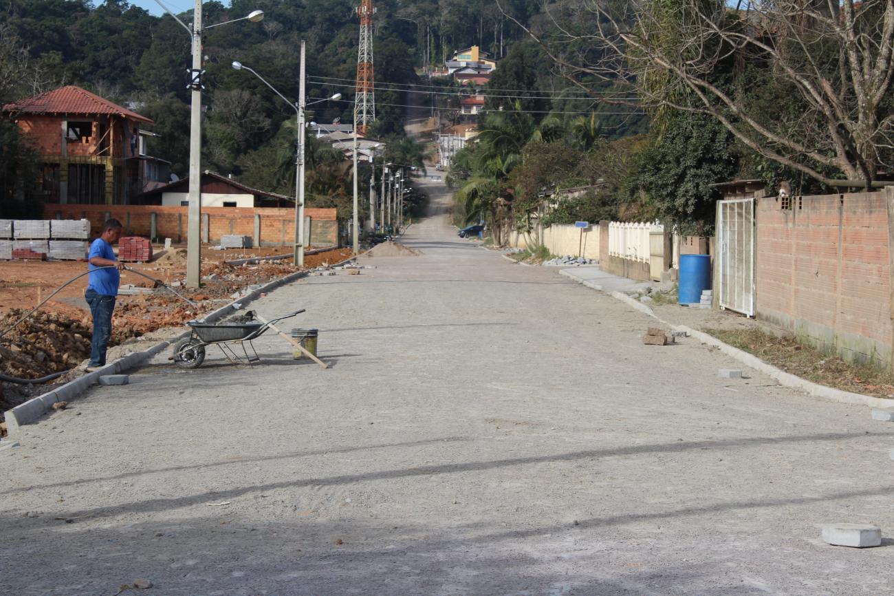 Secretaria de Obras já fechou mil buracos em Rio do Sul desde janeiro