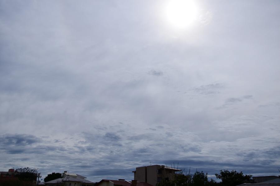 Sexta-feira tem aberturas de sol e tempo seco em Santa Catarina