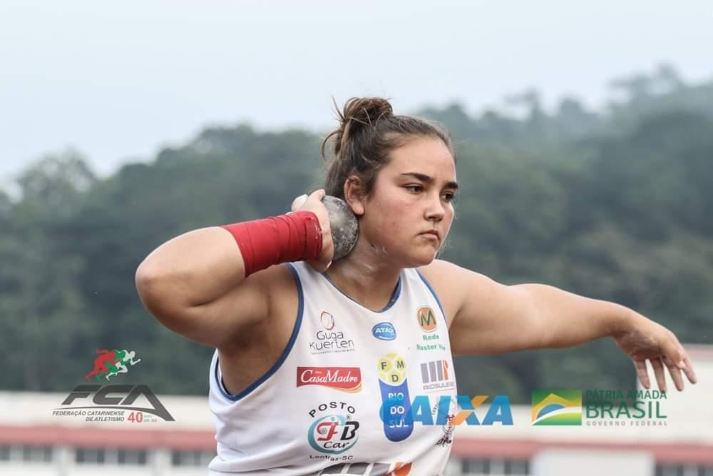 Milena Sens disputa competições nacionais e internacionais